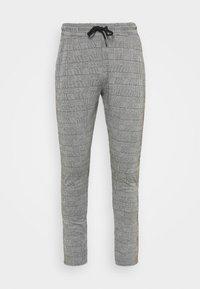 boohoo MAN - CHECKED SMART JOGGER - Pantaloni sportivi - grey - 3