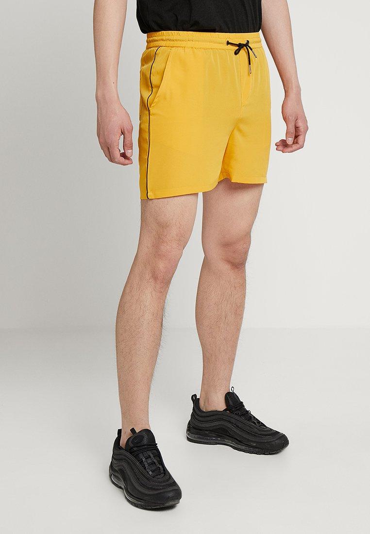 boohoo MAN - Short - yellow