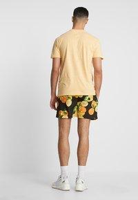 boohoo MAN - Shorts - black - 2