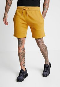 boohoo MAN - MID LENGTH WITH CONTRAST TAPE - Shorts - mustard - 0