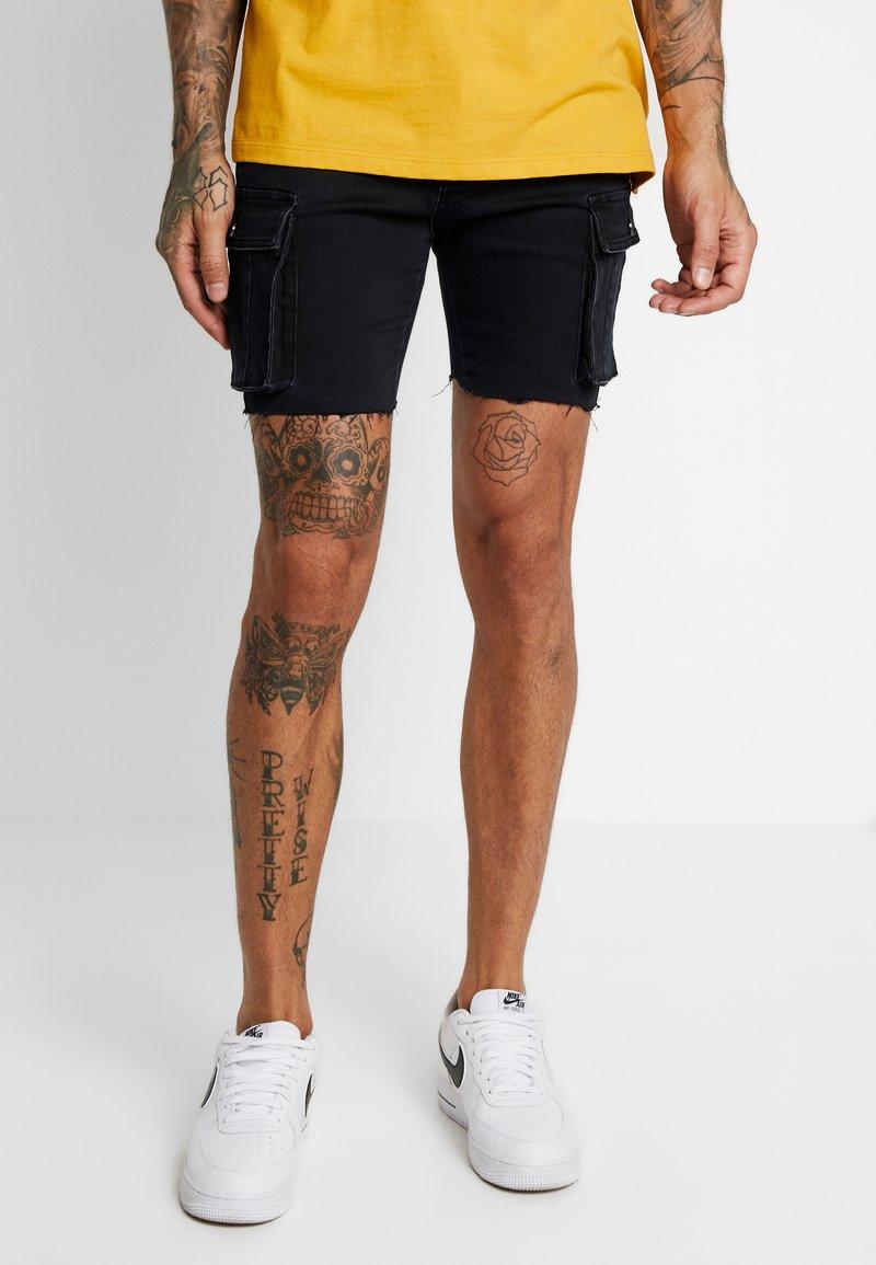 boohoo MAN - SKINNY FIT CARGO - Shorts vaqueros - black