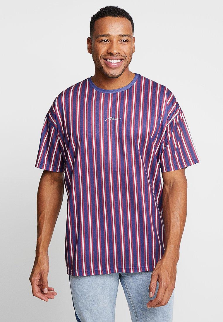 boohoo MAN - OVERSIZED STRIPE SIGNATURE - T-Shirt print - navy