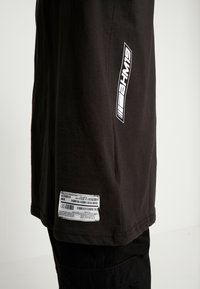 boohoo MAN - MAN LOOSE FIT TEE  - T-shirt print - black - 5