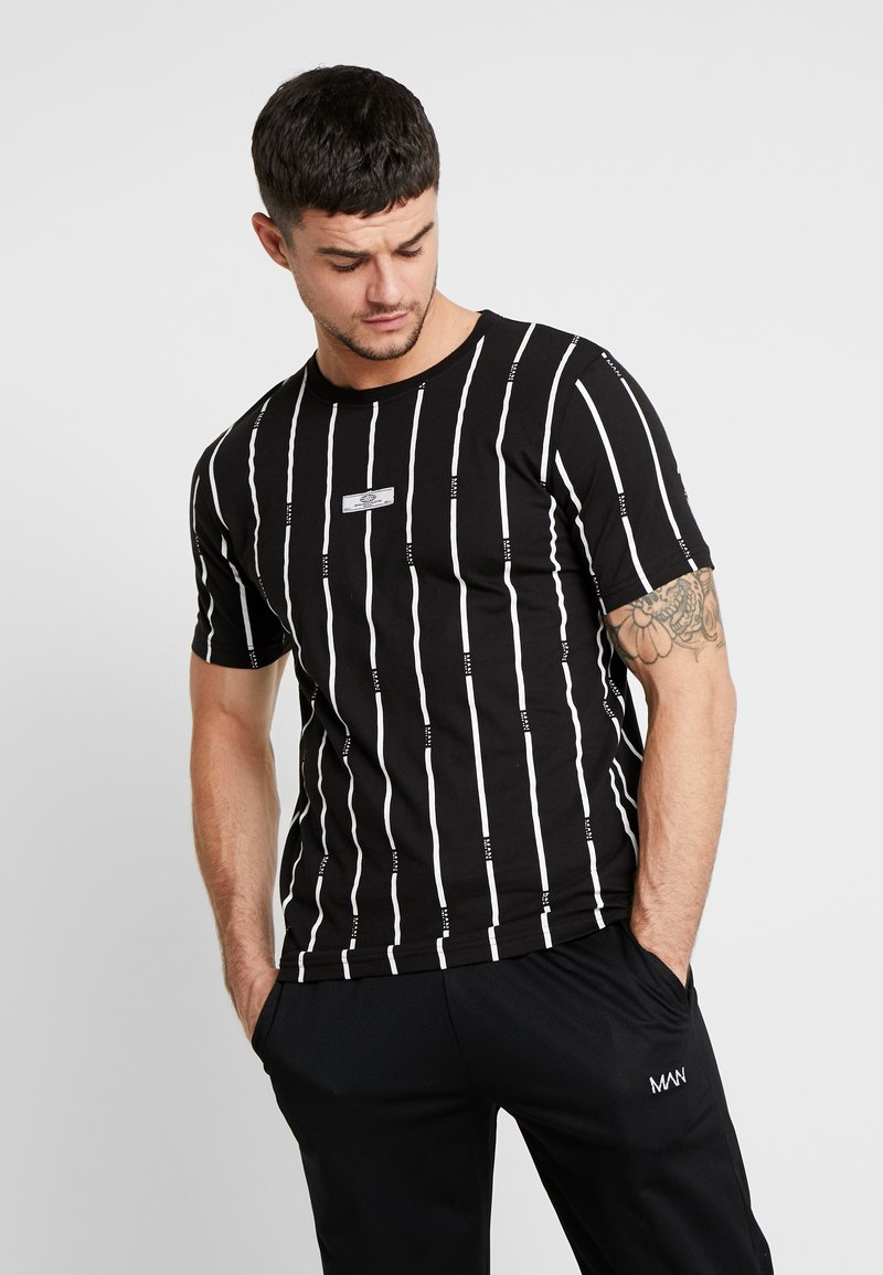 boohoo MAN - STRIPE PRINTED WITH WOVEN - T-shirt med print - black
