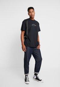 boohoo MAN - LAS VEGAS OVERSIZED - T-shirt con stampa - black - 1