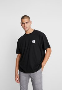 boohoo MAN - AESTHETICS OVERSIZED DROP SHOULDER - T-shirt basique - black - 0