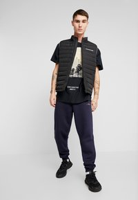 boohoo MAN - EXHILATRATION OVERSIZED - T-shirt imprimé - black - 1