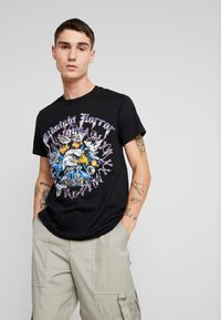 boohoo MAN - MIDNIGHT HORROR WITH STUDS - T-shirt con stampa - black - 0