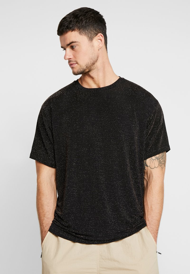 boohoo MAN - SHORT SLEEVE SPARKLE TEE - T-shirt con stampa - black