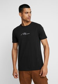 boohoo MAN - MAN SIGNATURE EMBROIDERED  - T-shirt med print - black - 0