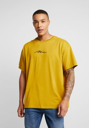 SIGNATURE EMBROIDERED OVERSIZED - Camiseta estampada - mustard