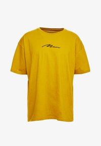 boohoo MAN - SIGNATURE EMBROIDERED OVERSIZED - T-Shirt print - mustard - 3