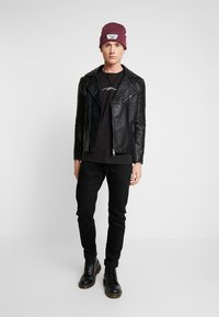 boohoo MAN - SIGNATURE EMBROIDERED OVERSIZED - T-shirt con stampa - black - 1