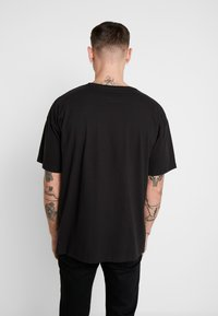 boohoo MAN - SIGNATURE EMBROIDERED OVERSIZED - T-shirt con stampa - black - 2