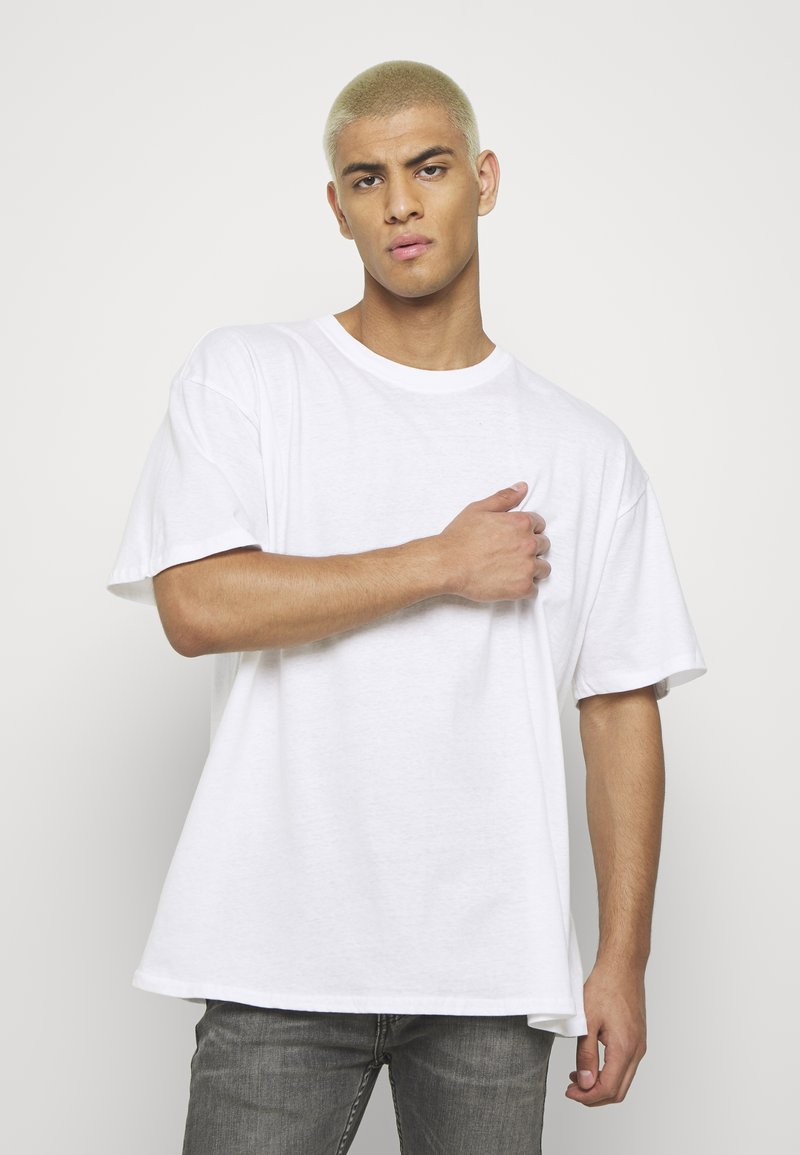 boohoo MAN - OVERSIZED NYC EAST COAST BACK PRINT - Triko s potiskem - white
