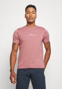 boohoo MAN - MAN SIGNATURE EMBROIDERED 2 PACK - T-shirt print - purple - 1