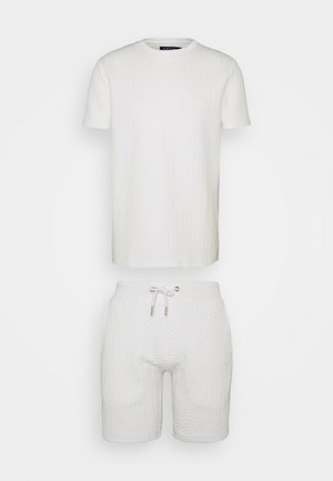 SIGNATURE QUILTED SET - Shorts - off-white