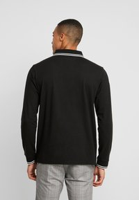 boohoo MAN - LONG SLEEVE COLOUR BLOCK ZIP POLO - Poloshirts - black - 2