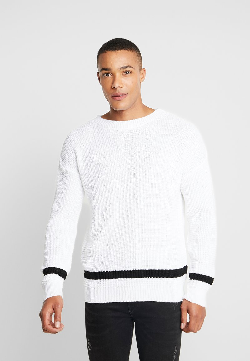 boohoo MAN - WAFFLE JUMPER WITH STRIPE DETAIL - Sweter - white