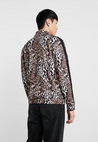 boohoo MAN - LEOPARD PANEL ZIP UP TRACK TOP - Zip-up hoodie - brown - 2
