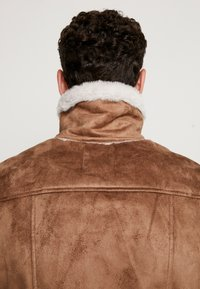 boohoo MAN - LINED AVIATOR JACKET - Faux leather jacket - tan - 6