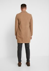 boohoo MAN - SINGLE BREASTED OVERCOAT - Mantel - camel