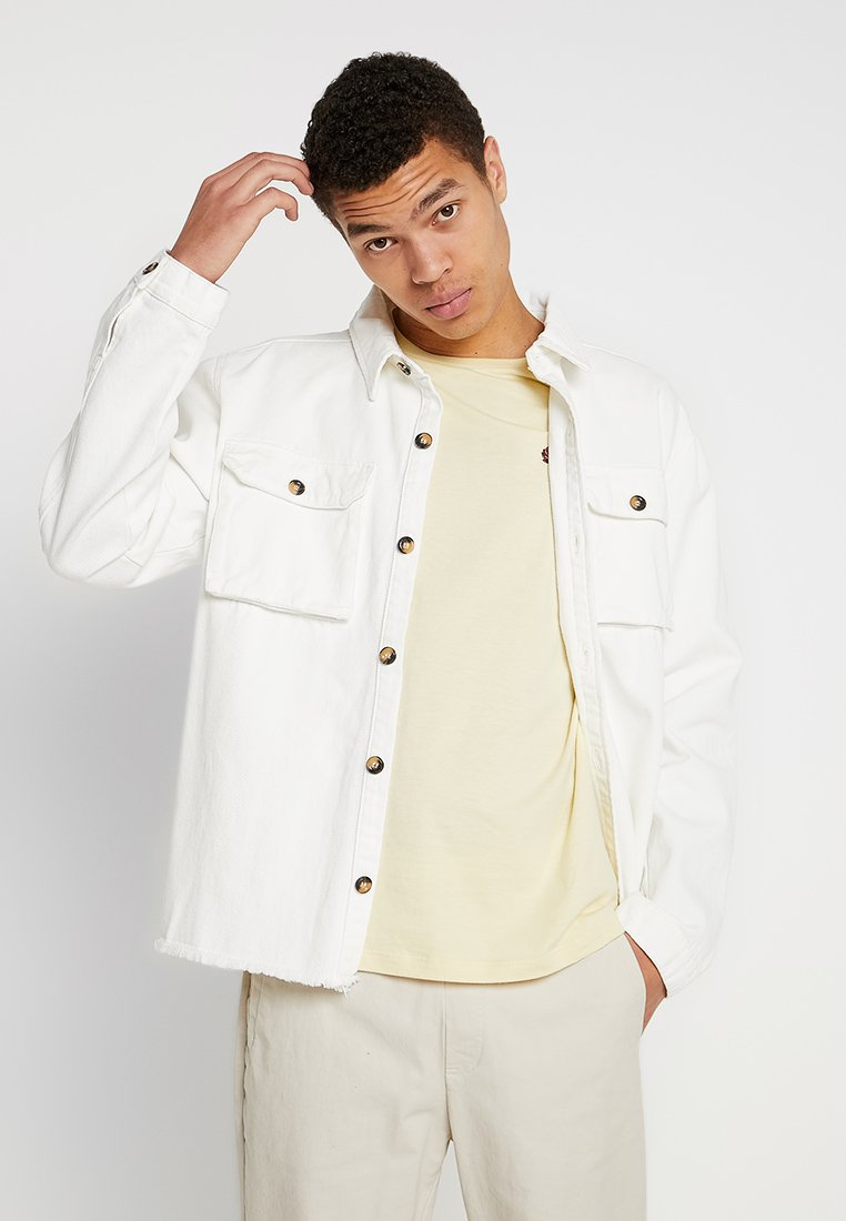 boohoo MAN - SHACKET WITH LABELLING - Jeansjacke - white