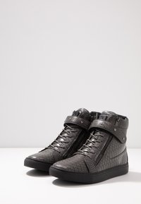 Born Rich - OBSOLETUS - High-top trainers - grey - 2