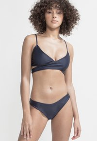 boochen - ARPOADOR - Bikini top - dark blue - 1