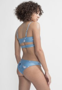 boochen - ARPOADOR - Bikini top - light blue - 2