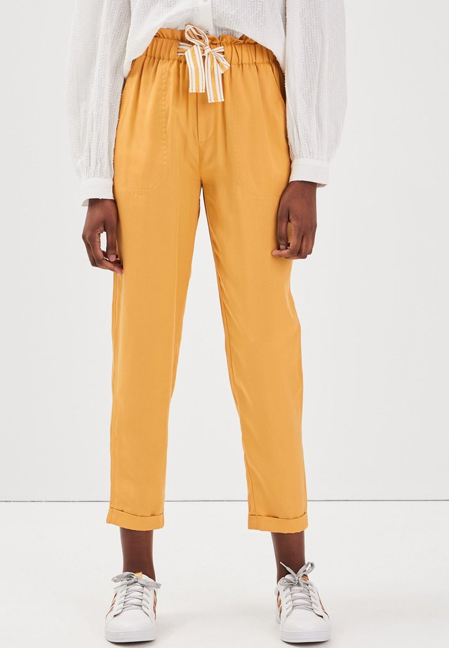 MIT HOHER TAILLE - Stoffhose - yellow