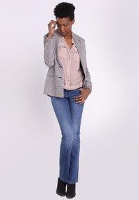 BONOBO Jeans - INSTINCT - Jeans Bootcut - denim stone - 1