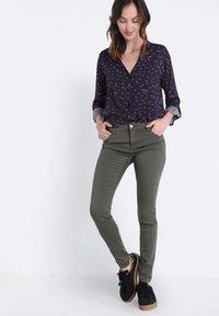 BONOBO Jeans - Jeans Skinny Fit - green - 1