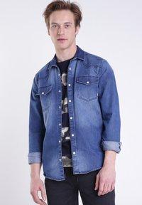 BONOBO Jeans - Chemise - stone blue denim - 0