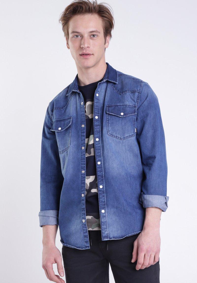 BONOBO Jeans - Chemise - stone blue denim
