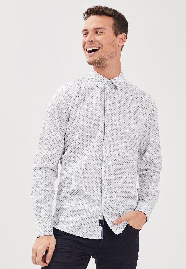 GERADES INSTINCT - Hemd - blanc