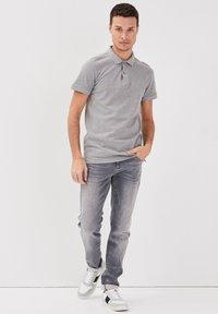 BONOBO Jeans - Poloshirt - gris foncé - 1