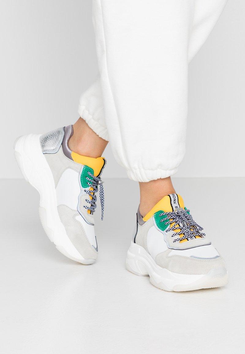 Bronx - BAISLEY - Baskets basses - white/yellow/silver