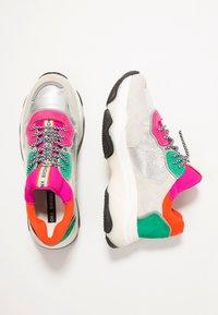 Bronx - BAISLEY - Sneaker low - offwhite/silver/fuchsia - 3
