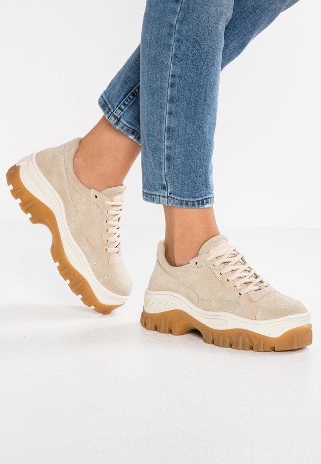 JAXSTAR - Sneaker low - beige