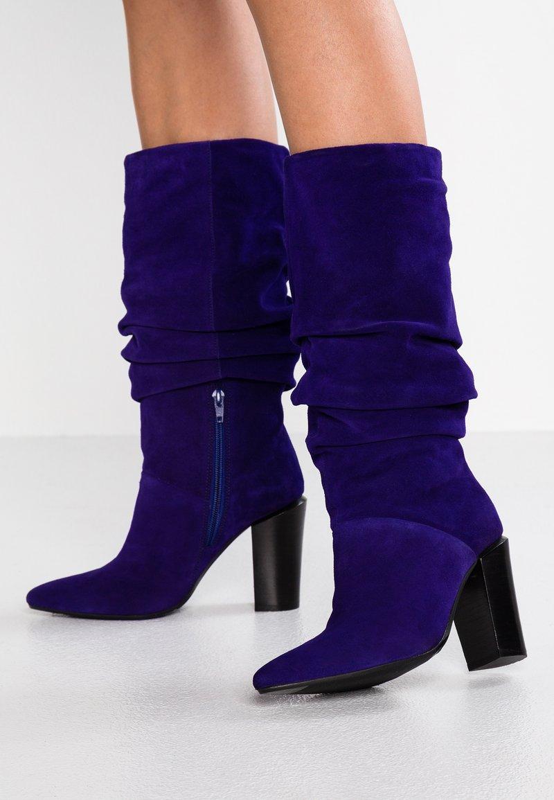 Bronx - AMERICANA HIGH - Bottes à talons hauts - purple