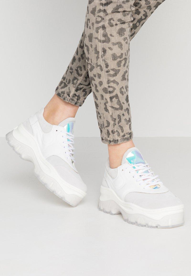 Bronx - JAXSTAR - Sneaker low - light grey/white