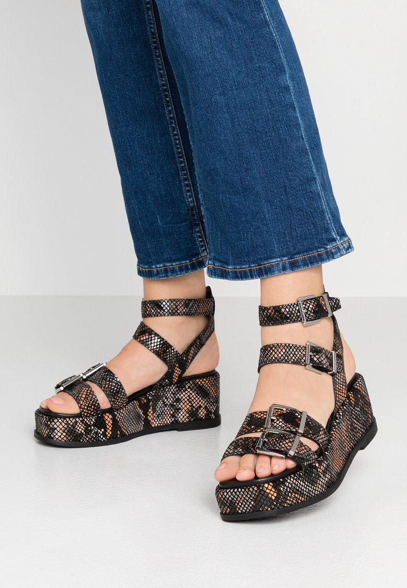 Bronx - WEGGY - Platform sandals - black/orange