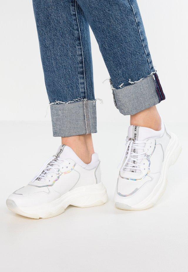BAISLEY - Baskets basses - white