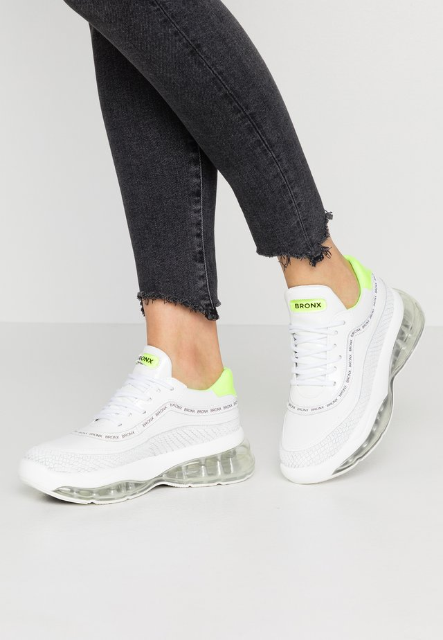 BUBBLY - Trainers - white/neon yellow