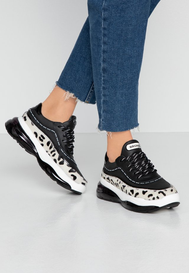 BUBBLY - Trainers - black