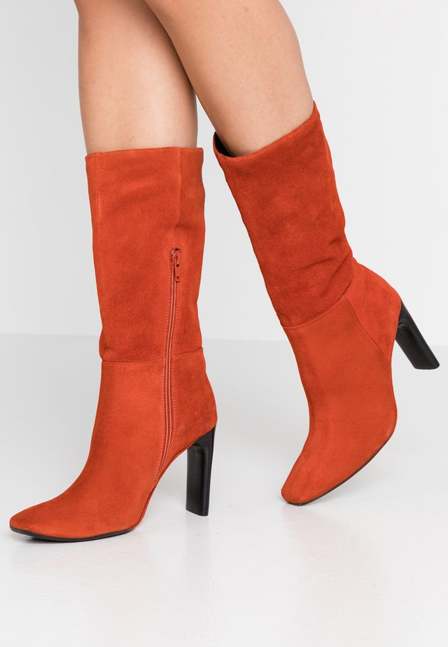 High Heel Stiefel - rust