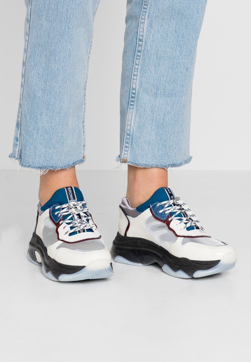 Bronx - BAISLEY - Trainers - offwhite/silver/light blue