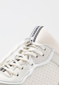 Bronx - BAISLEY - Trainers - offwhite - 2