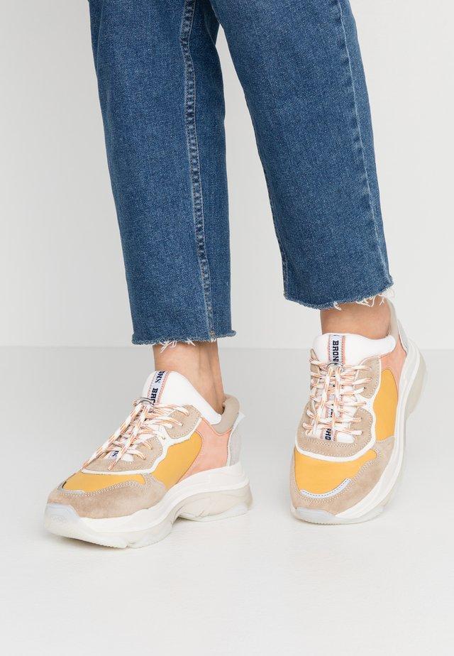 BAISLEY - Sneakers - taupe/mustard/light orange
